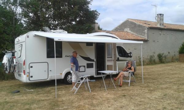 camping car avec auvent