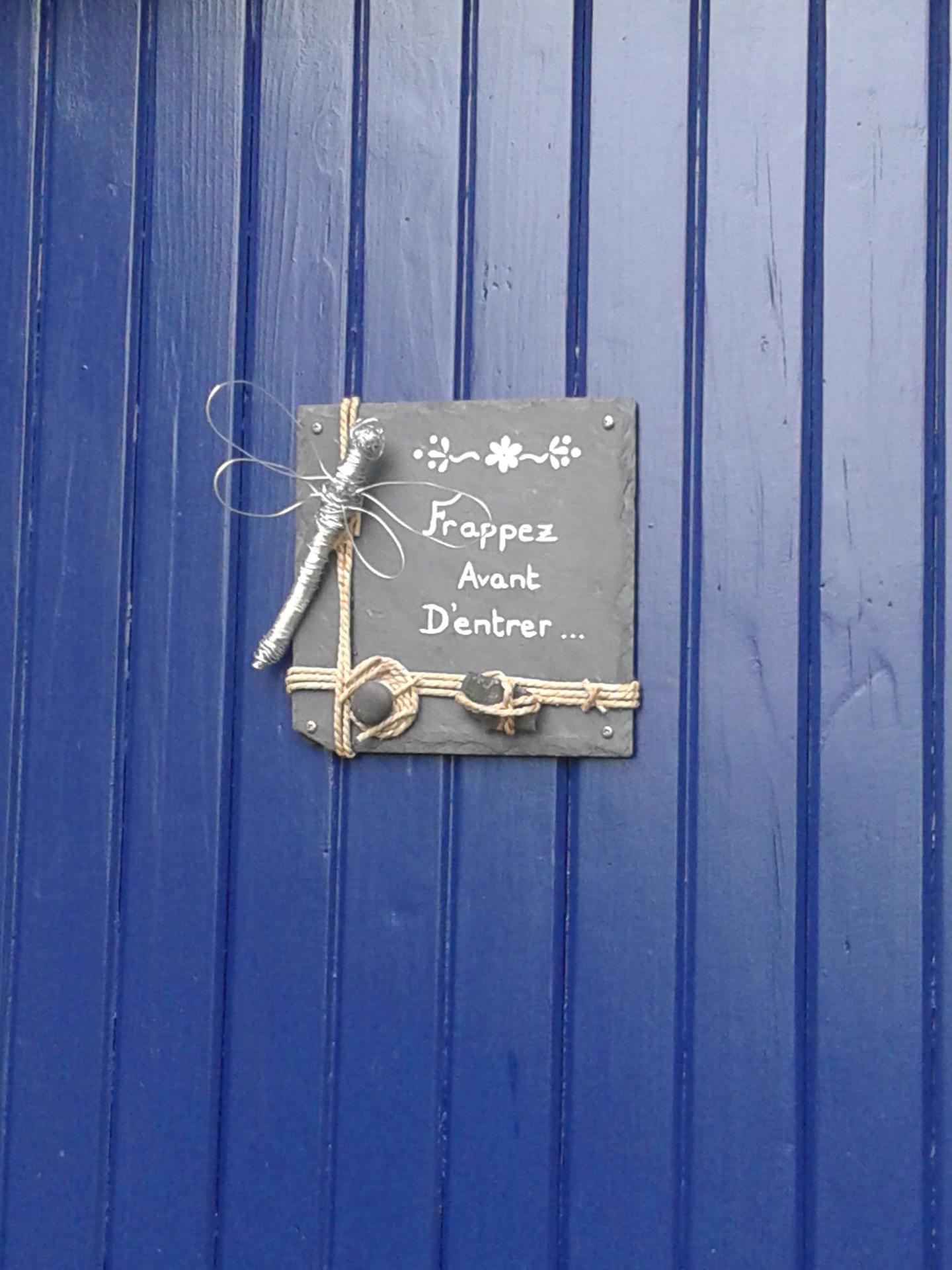 La porte de la cabane