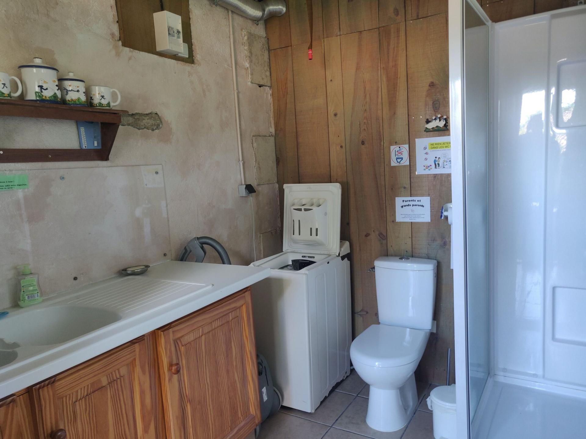 La cabane à laver, lave-linge